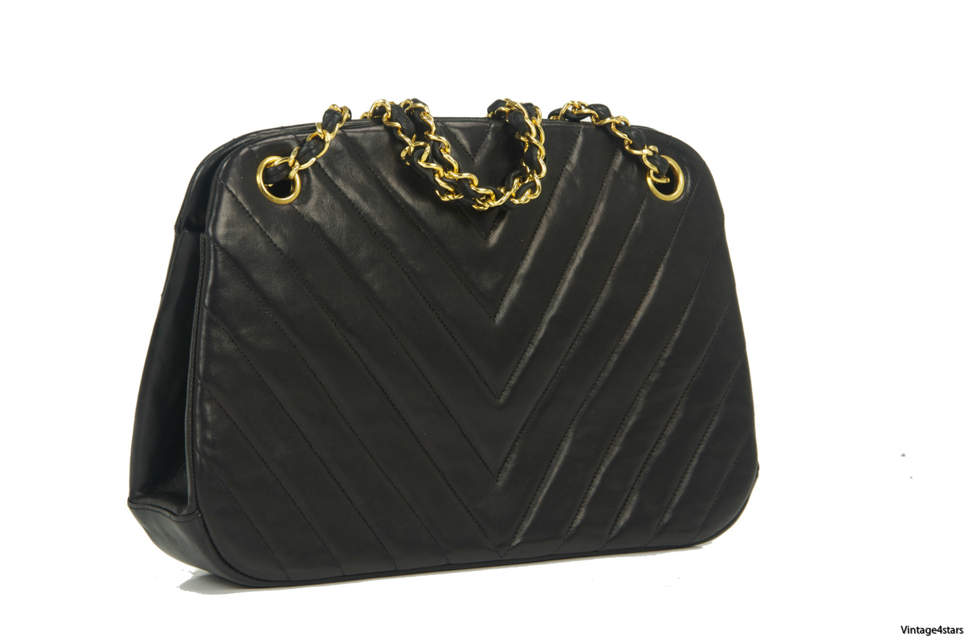 Chanel Chevron Shoulder Bag Kisslock 002