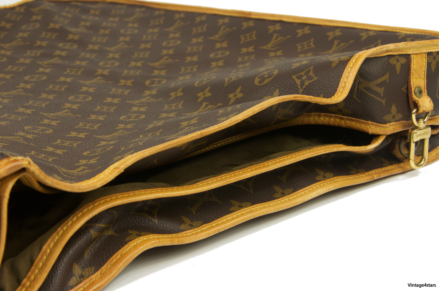 Louis Vuitton Garment Bag 3 Hangers 12