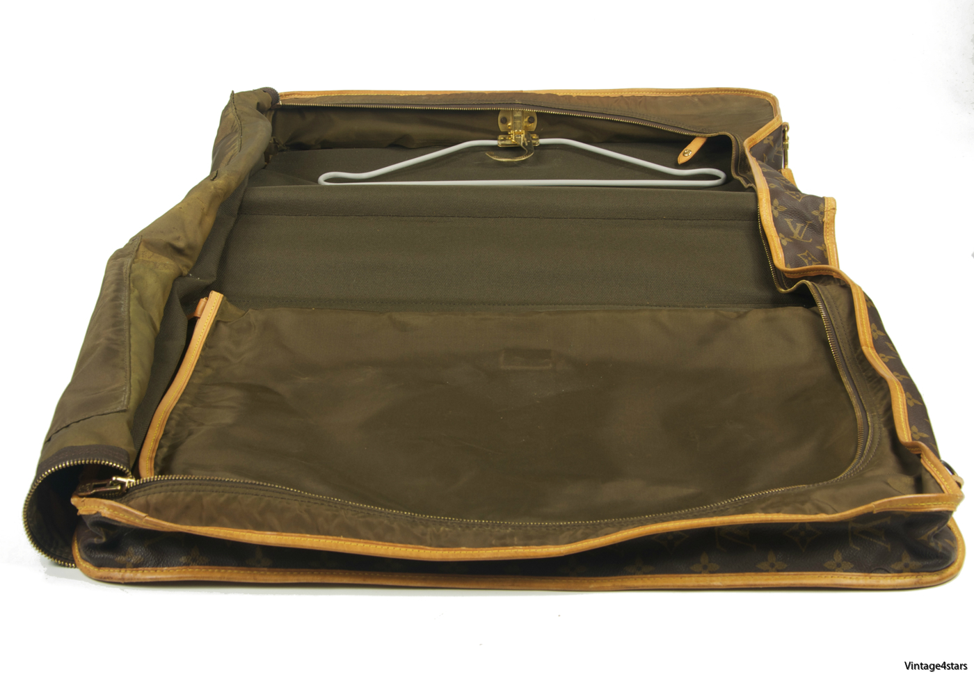 Louis Vuitton Garment Bag 3 Hangers 16