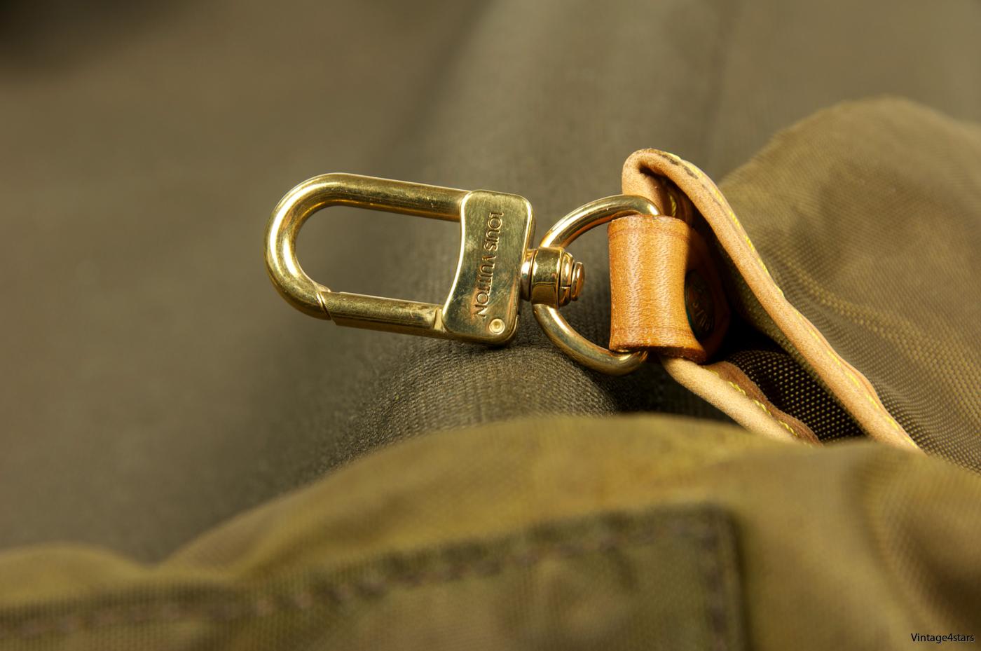 Louis Vuitton Garment Bag 3 Hangers 19