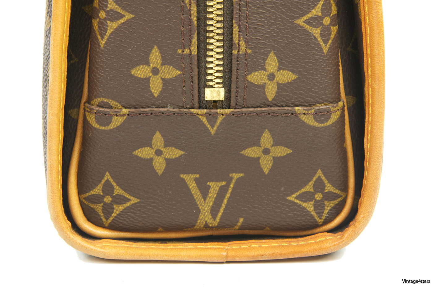 Louis Vuitton Rivoli Monogram 121