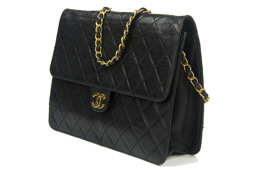 CHANEL Single Flap
