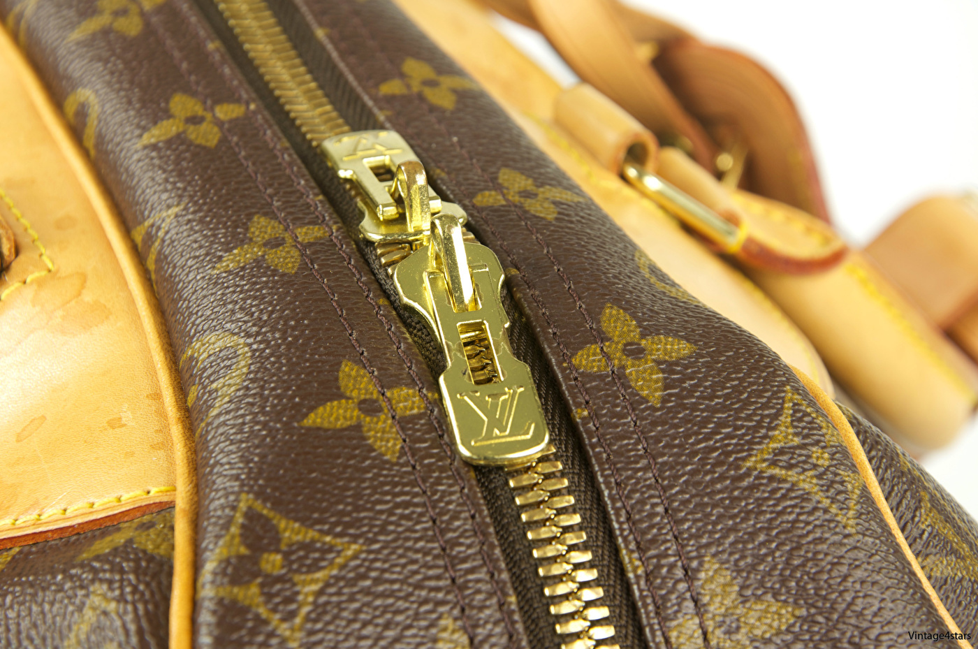 Louis Vuitton Evasion 12