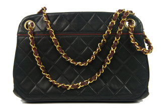 Chanel Quilted Shoulder Bag Kisslock - Chanel Quilted Shoulder Bag Kisslock