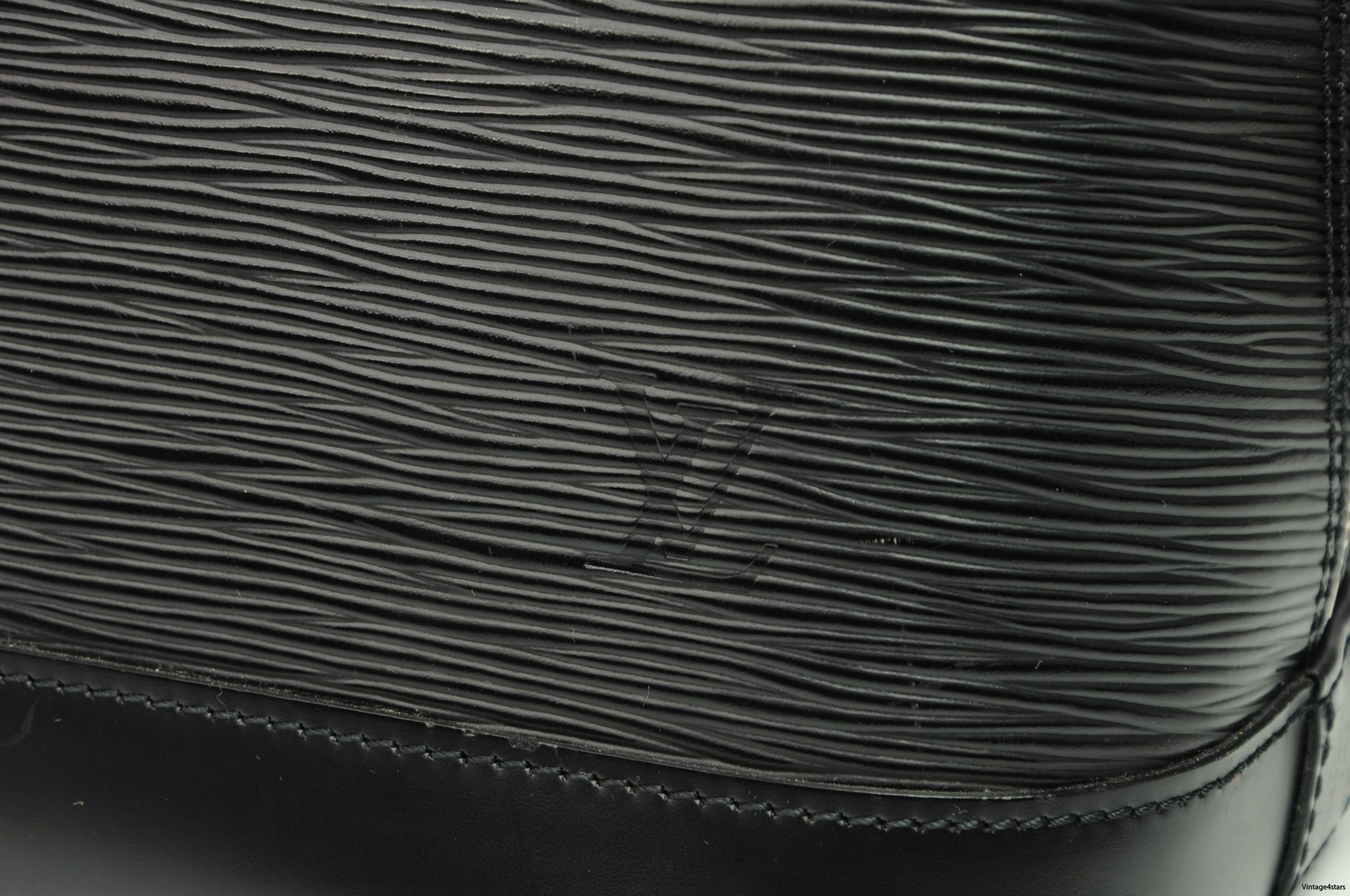Louis Vuitton Alma Epi Neo 10