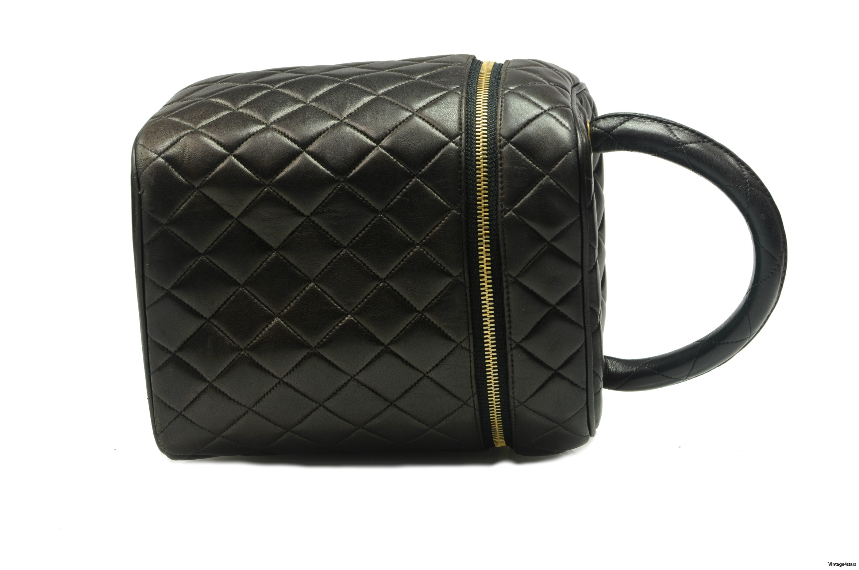 CHANEL Vanity Bag Quilted 3