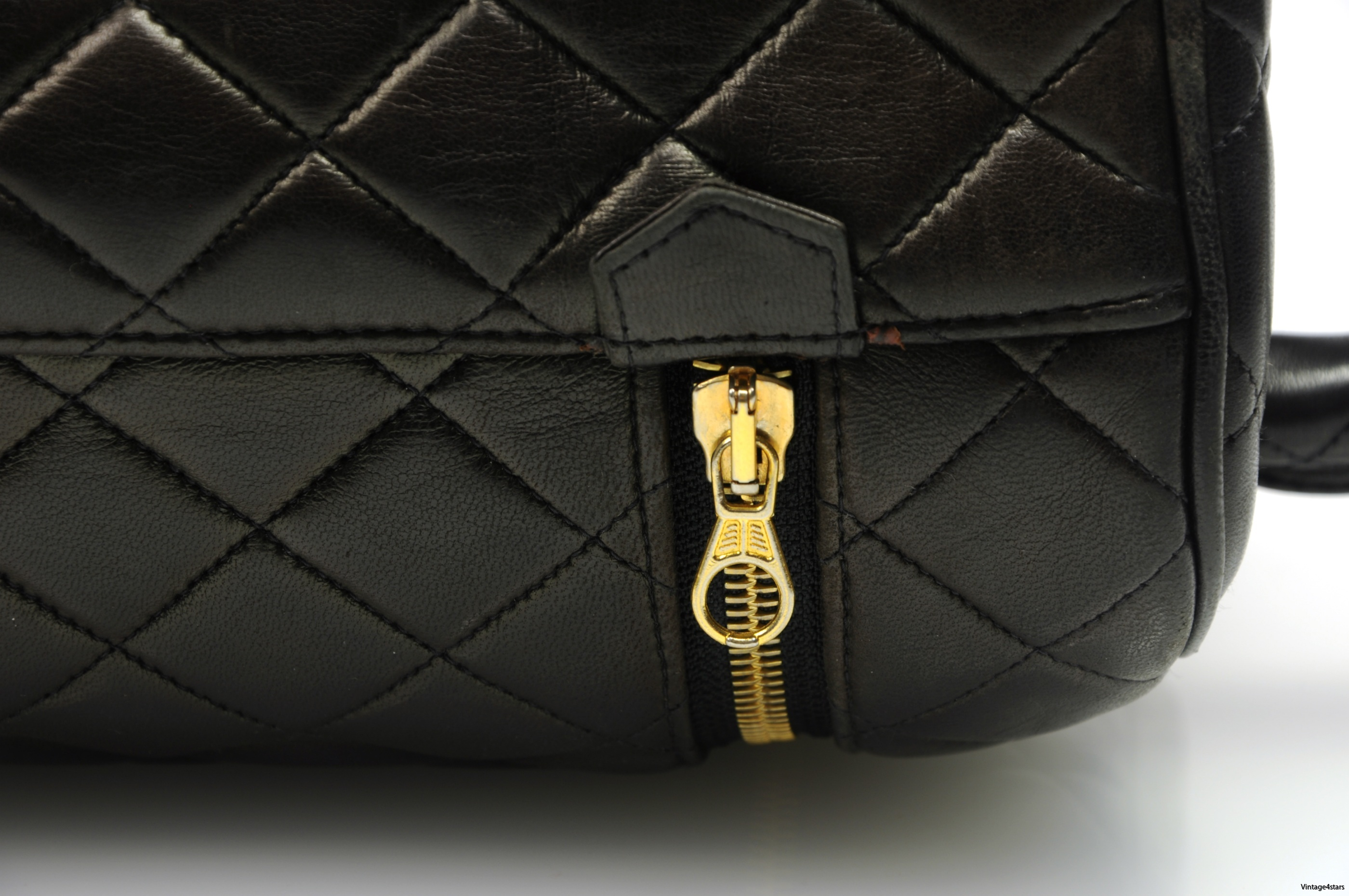 CHANEL Vanity Bag Quilted 4