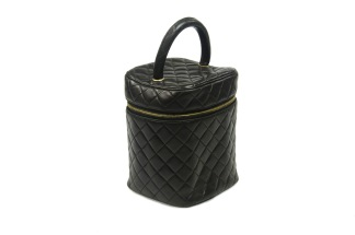 CHANEL Vanity Bag Quilted Lambskin - CHANEL Vanity Bag Quilted Lambskin