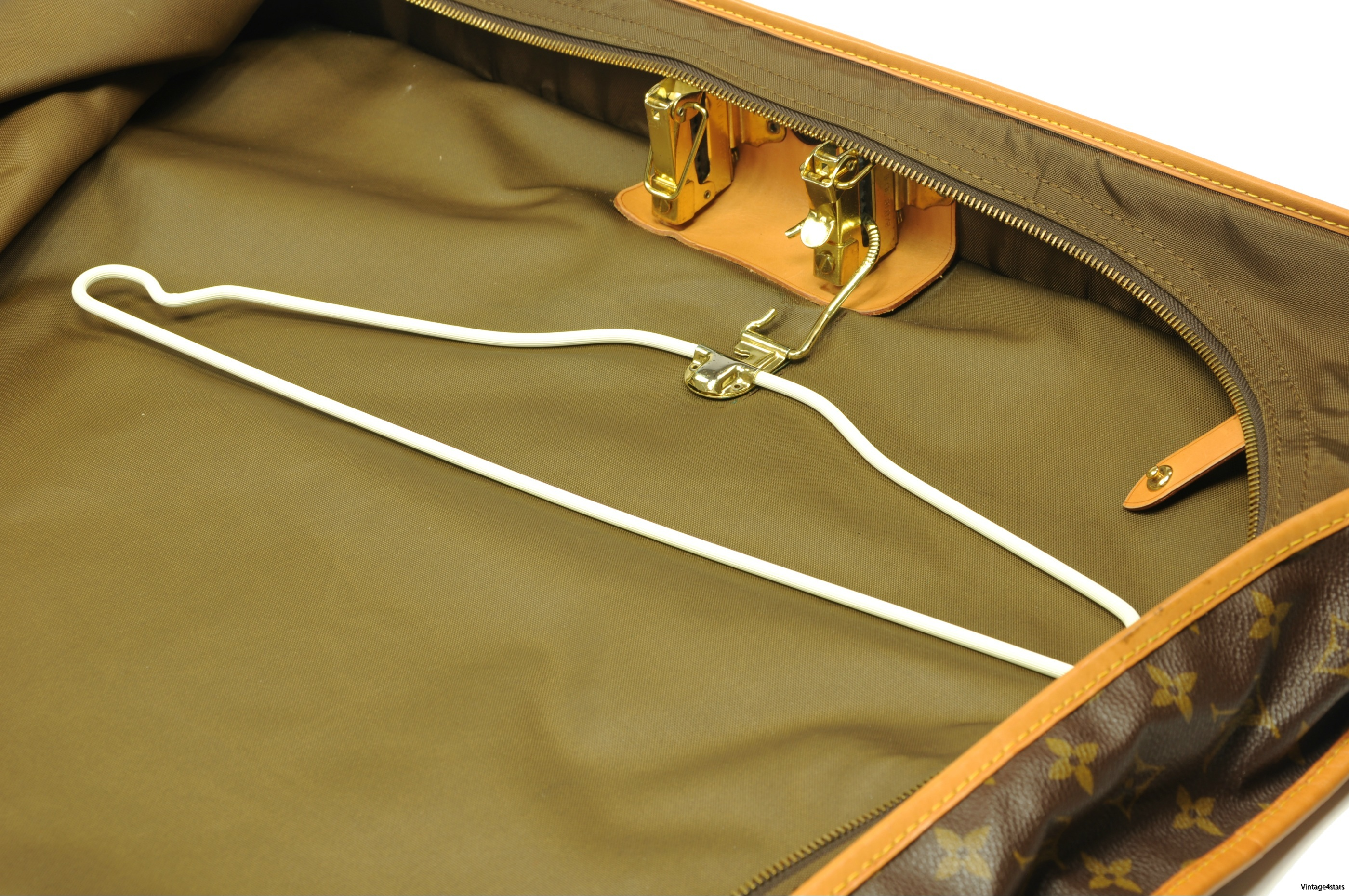 Louis Vuitton Garment Bag 5 Hangers 12