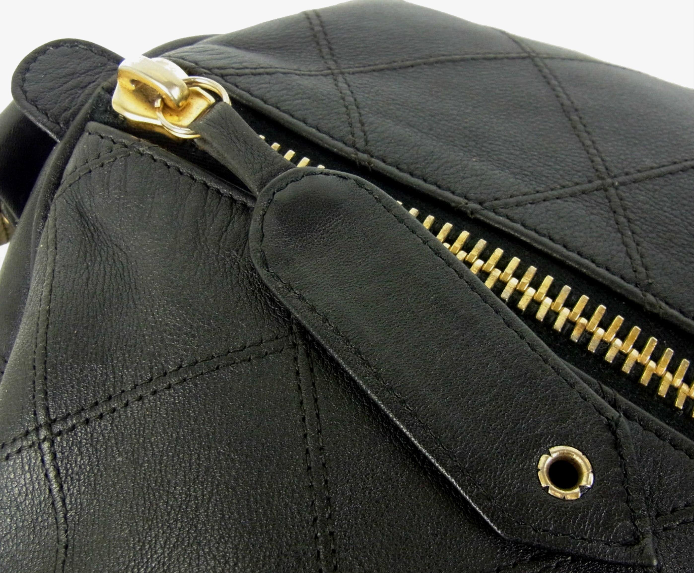 CHANEL Duffle Bag Qulited Calfskin 10