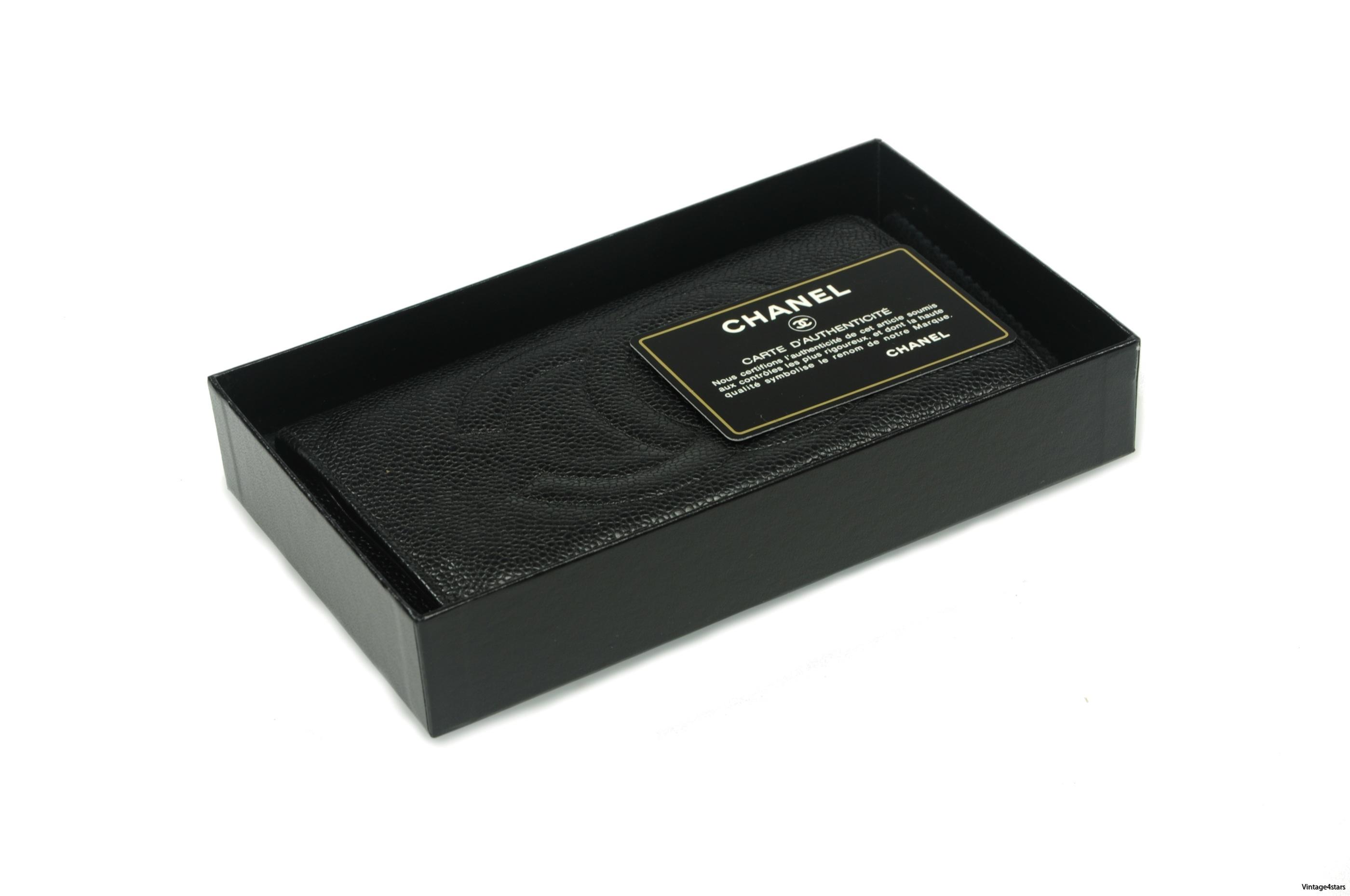CHANEL Wallet Caviar 1