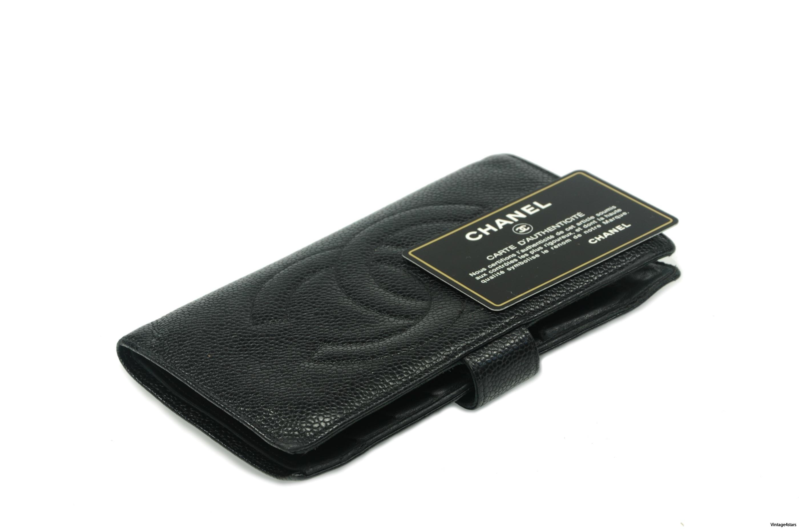 CHANEL Wallet Caviar 2