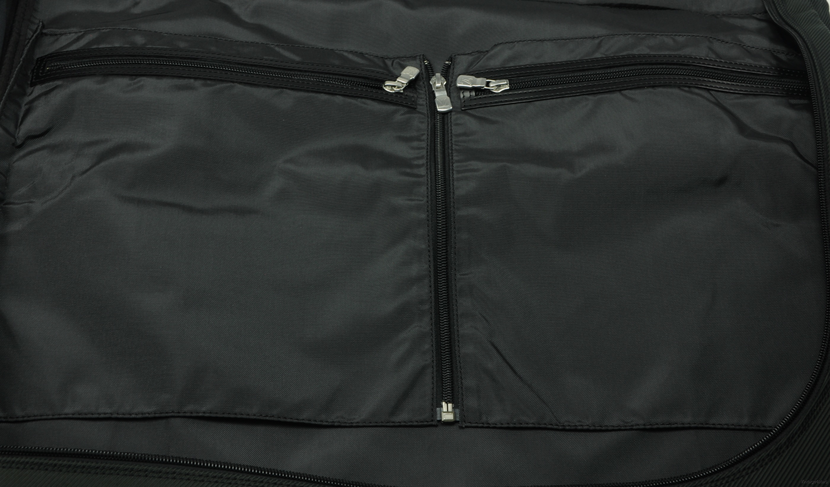 Louis Vuitton Garment bag Taiga Ardoise 15