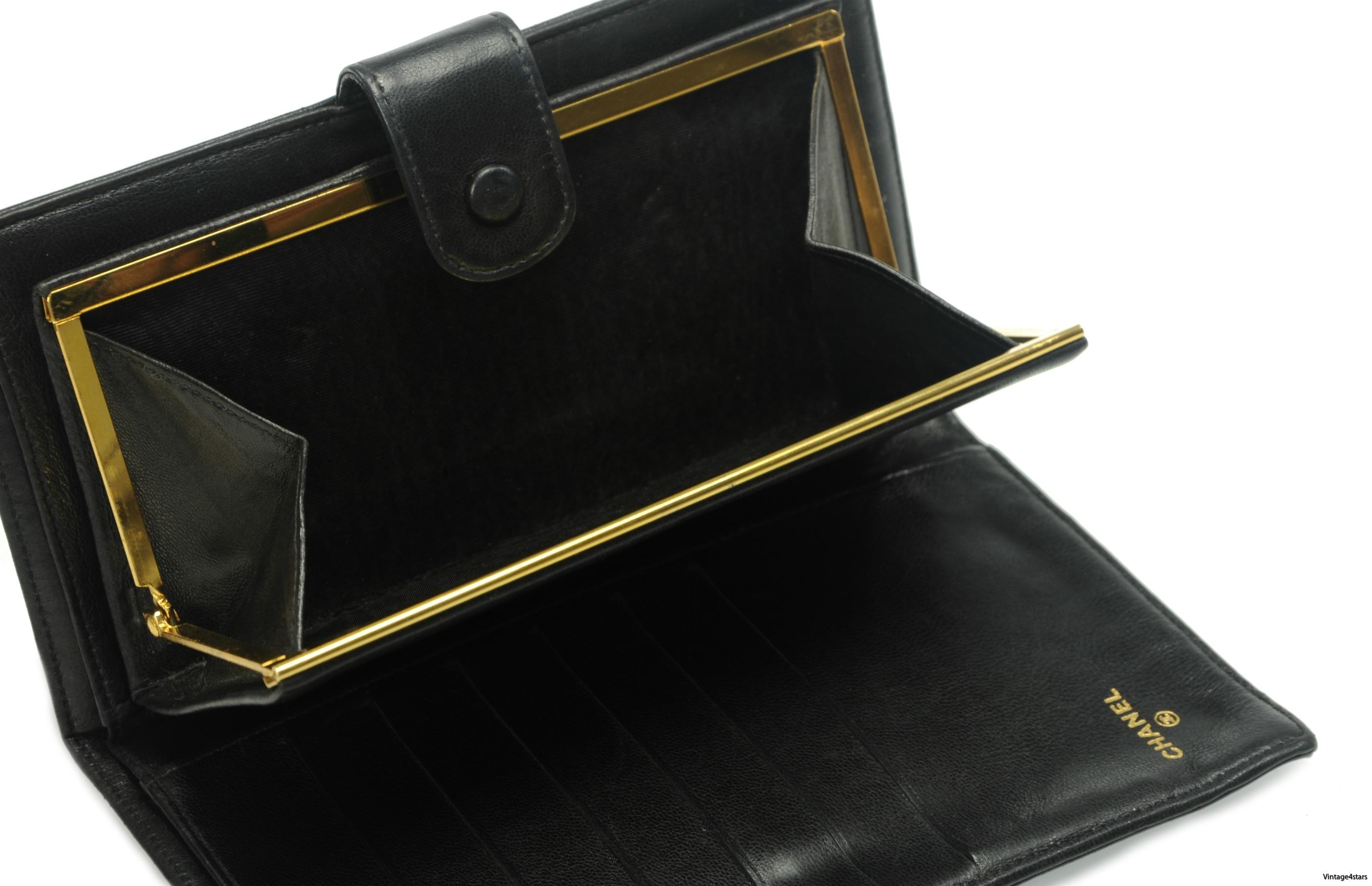 CHANEL Wallet Lambskin 26