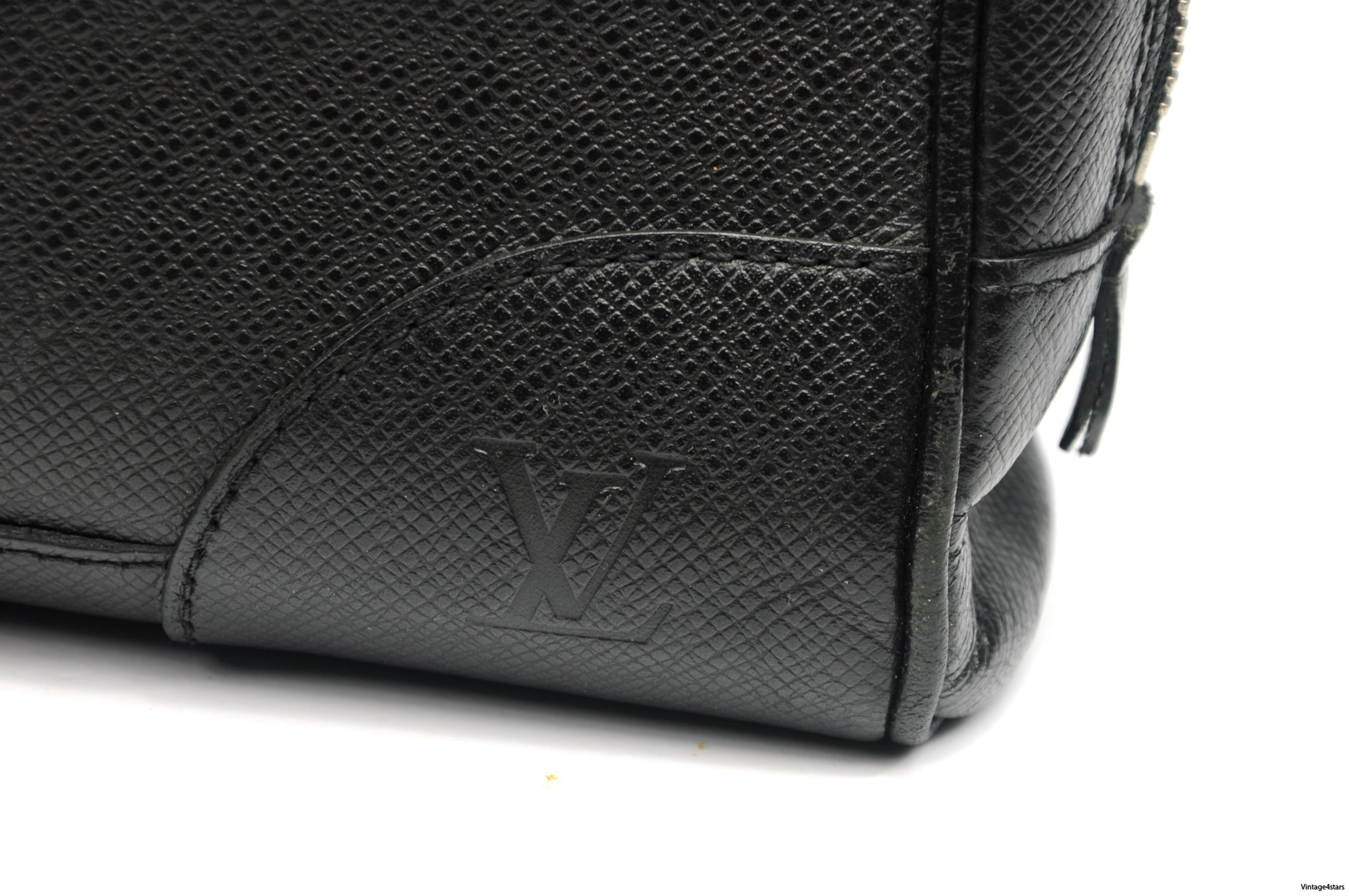 Louis Vuitton Igor Taiga 10