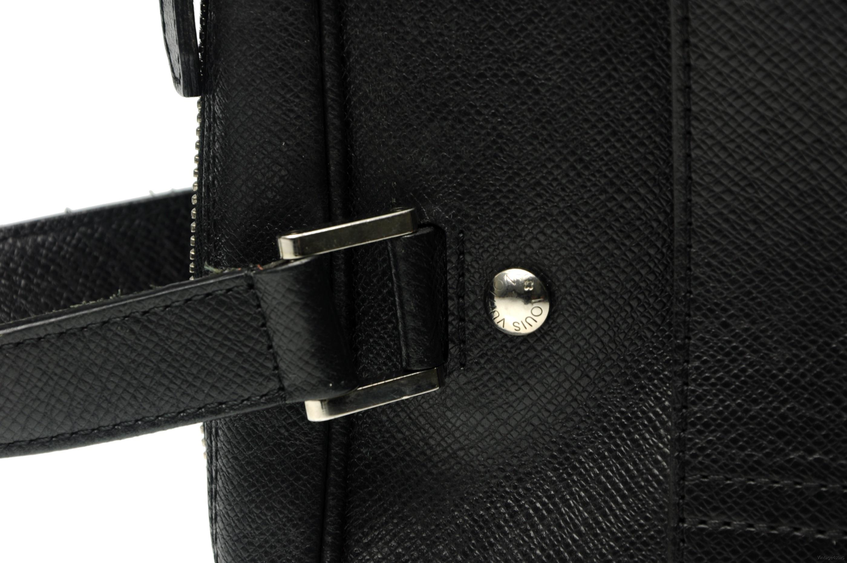 Louis Vuitton Igor Taiga 14