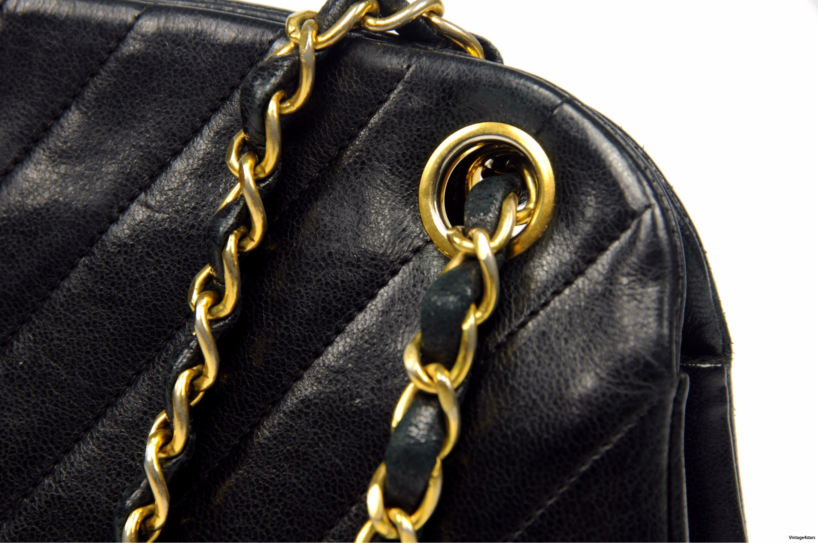 CHANEL Lambskin Kisslock 104
