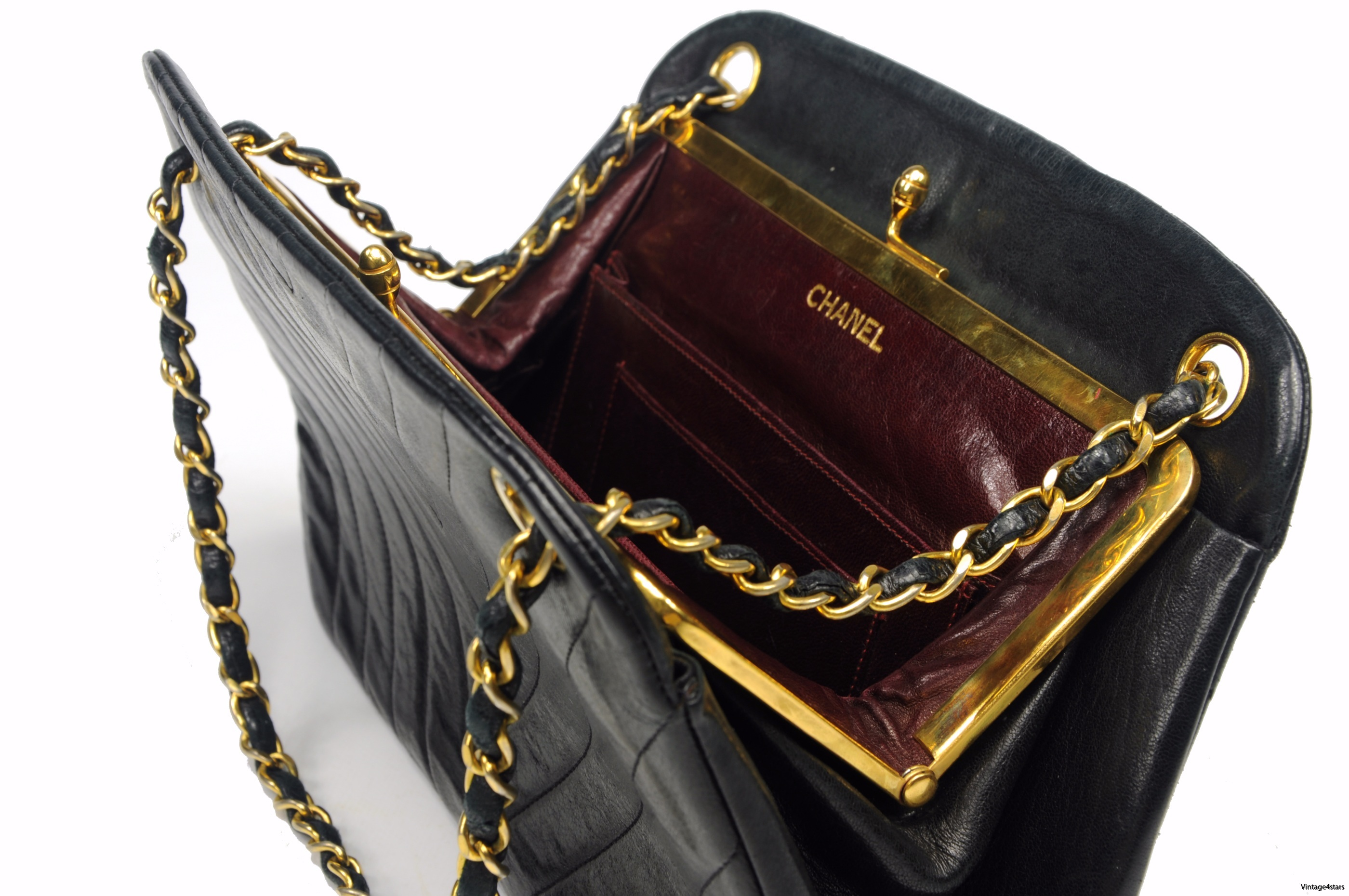 CHANEL Lambskin Kisslock 108