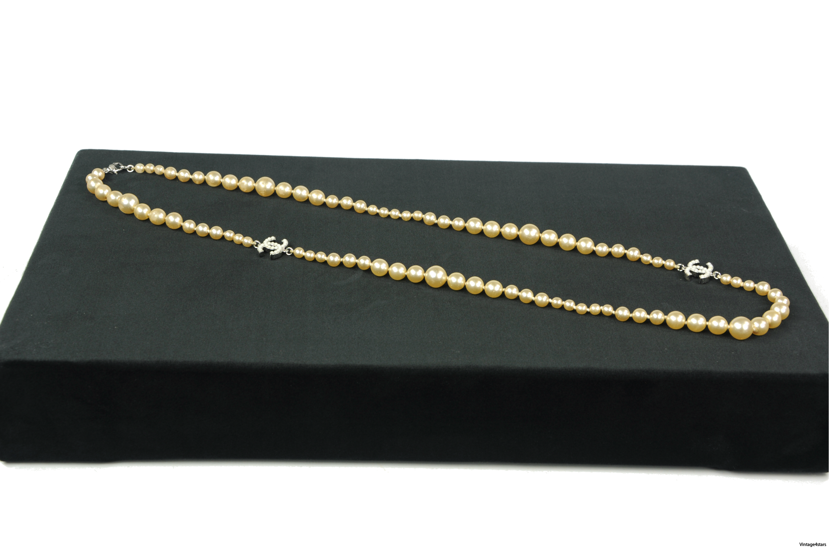 CHANEL Pearl necklace 3