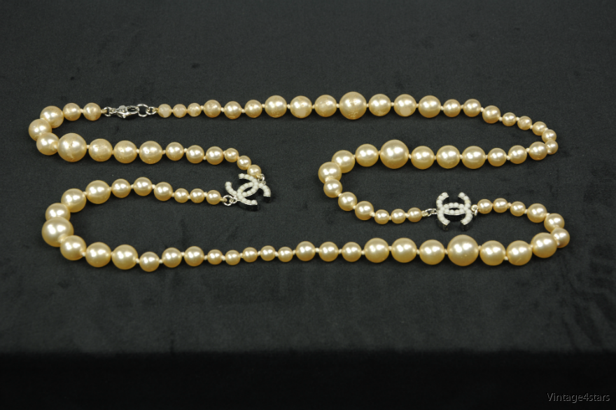 CHANEL Pearl necklace 4
