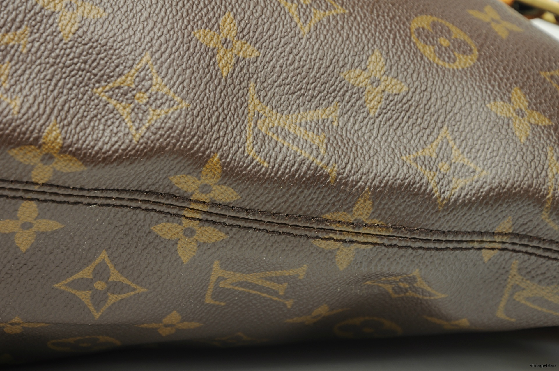 Louis Vuitton Cabas Mezzo 6