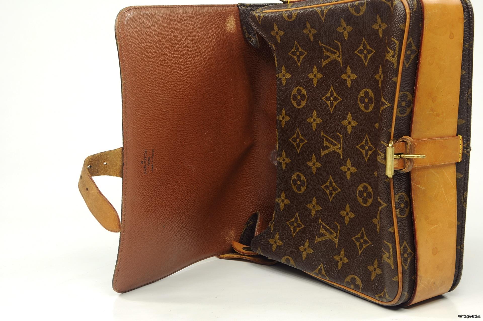 Louis Vuitton Cartouchiere GM 8