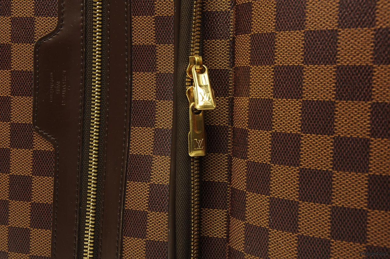 LOUIS VUITTON PEGASE 104