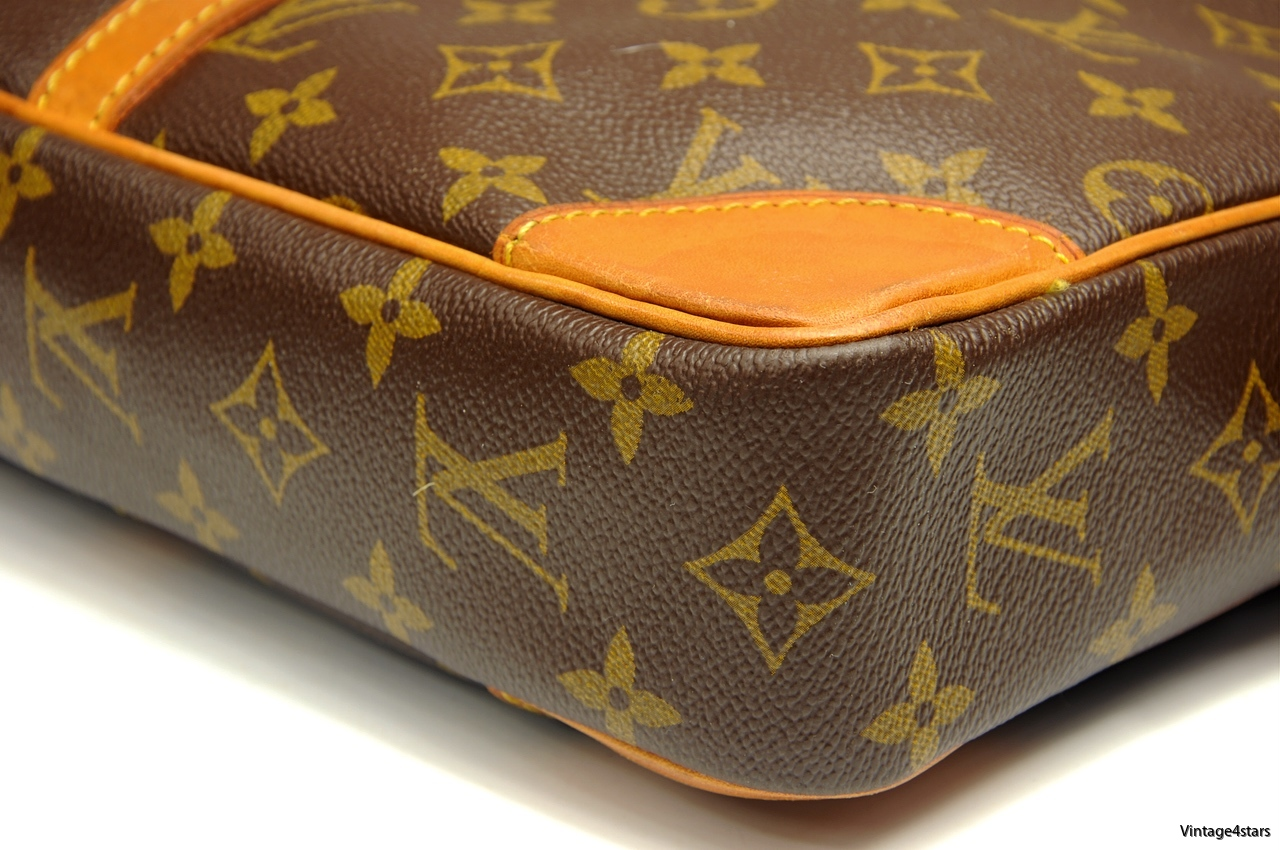 LOUIS VUITTON PORTE DOCUMENTS 4