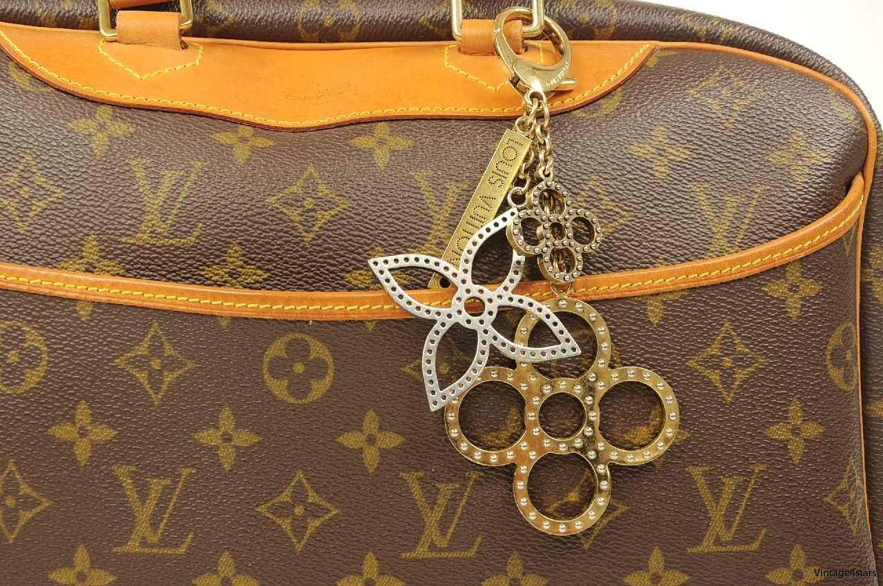 LOUIS VUITTON SHARM 1