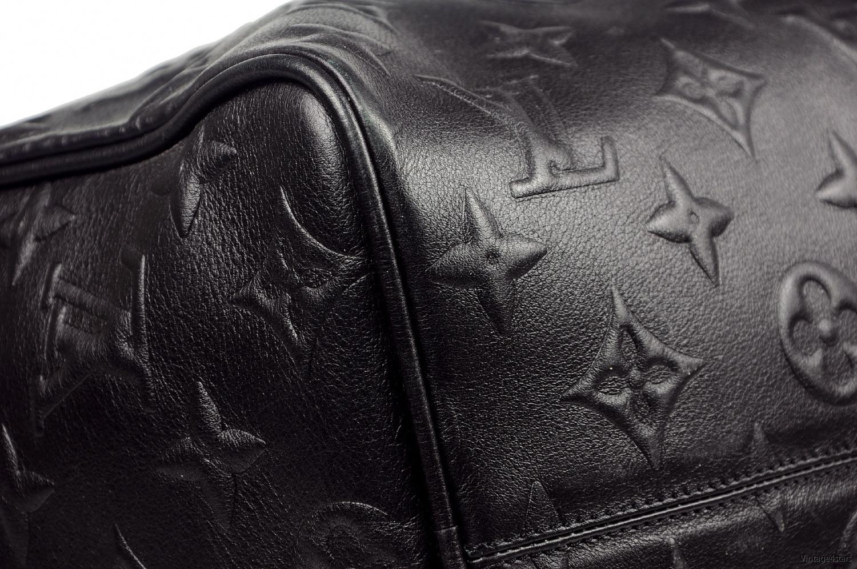 Louis Vuitton Revelation 4