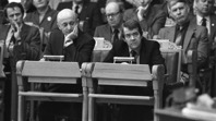 Försvarsminister Anders Sjaastad (till höger) och statsminister Kåre Willoch i Stortinget 1982. Foto Bjørn Sigurdssøn/NTB/scanpix.