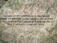 Inskriptioner i stenen i Edinburgh.