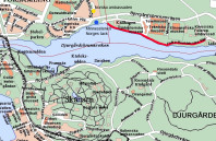 Folke Bernadottes väg (markerat med rött) går längs med Djurgårdsbrunnskanalen. Vid den blå pricken ligger minnessstenen.