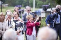 Publikbild med Raija Wallenius rakt fram. Till vänster om henne Charlotte Söderman. Till höger i röd kavaj Everlyn Bøe.