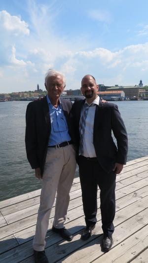 Avgående ordförande Yngve Björkman och tillträdande ordförande Krishan Kent.