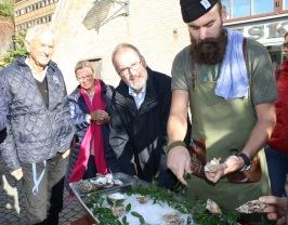 Yngve Björkman, Lis Bamberger, Dr M Keller & Världsmästare (2016) i Ostronöppning;  Johan Malm