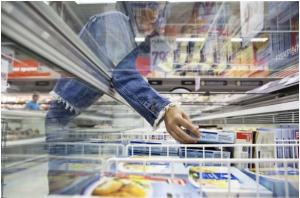 """En av punkterna i listan belyser kampanjer i butik. """"Ta två till priset av ett"""" kan vara en matsvinnsbov. Foto: Svensk Dagligvaruhandel"""