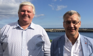 Anders Johnsson (M) och Karl-Erik Olsson (S). Foto: Malin Theln/Sveriges Radio