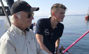 På onsdagen besökte kung Carl Gustaf Landskrona hamn för att lära sig mer om torskarna i Öresund. Foto: KUNGAHUSET.SE