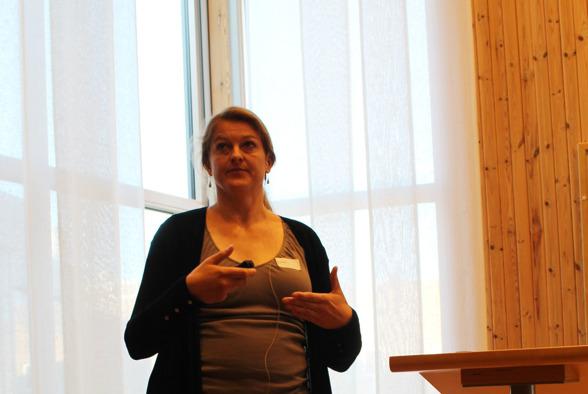Maria Ernfors presenterar SITES Lönnstorps möjligheter.  Foto av Linda-Maria Mårtensson