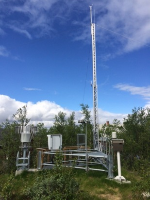 New SMHI SYNOP-station at the Abisko Scientific Research Station. Photographer: Annika Kristofferson.