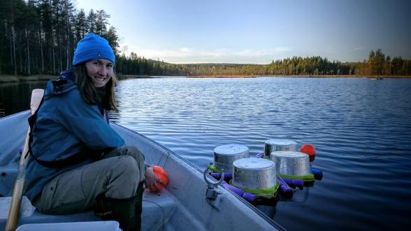 Blaize Denfeld sampling Lake Stortjärn at Svartberget. Photo: Anna Lupon.