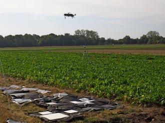 A drone in action at Lönnstorp. Photo: Lars Eklundh.