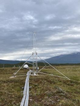 The new SITES-Spectral mast at Stordalen. Photo: Magnus Augner.