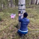 Installation av en kamera och ljudinspelningsutrustning i forskningsprojektet Lifeplan. Foto: Gunnar Jansson.