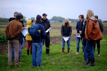 Agroecology students at a field walk at Lönnstorp Research Station in late September. Photo: Marie-Claire Feller.