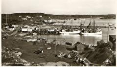 Gammalt vykort från Fiskebäck. Taget från berget norr om hamnen mot Önnered.