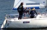 Daniel Stenholm med besättning på BryggCafeets sponsrade båt