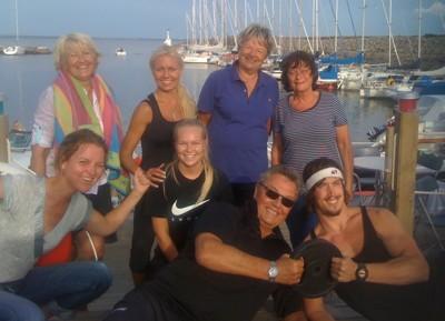 Svettiga deltagare efter väl förrättat gympass under Birgitta Greens 1st klassiga ledning