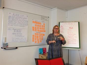 Det pågår många givande diskussioner och samtal i arbestsgrupperna. Foto: Cajsa Broström